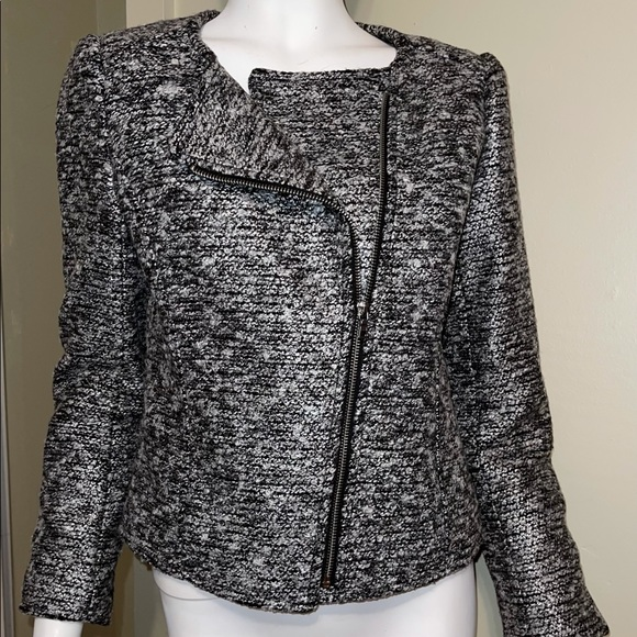 H & M H and M tweed blazer size 38 /8 fits like a 4/6 black house white market